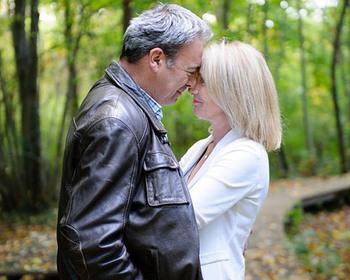 Instant d'émotion - Strasbourg - Séance photos d'un charmant couple au Fort Uhrich d'Illkirch