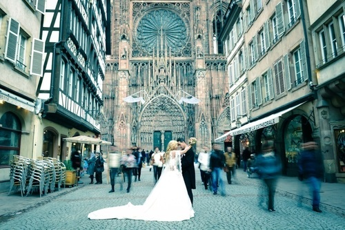 photo de mariage à la cathédrale de strasbourg  - Instant d'émotion