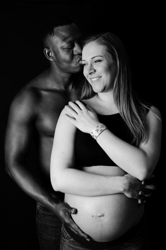 Photographe de grossesse à Strasbourg  - Instant d'émotion