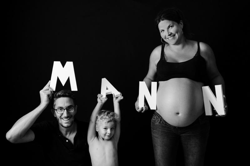 Photo de grossesse à Strasbourg - instant d'émotion
