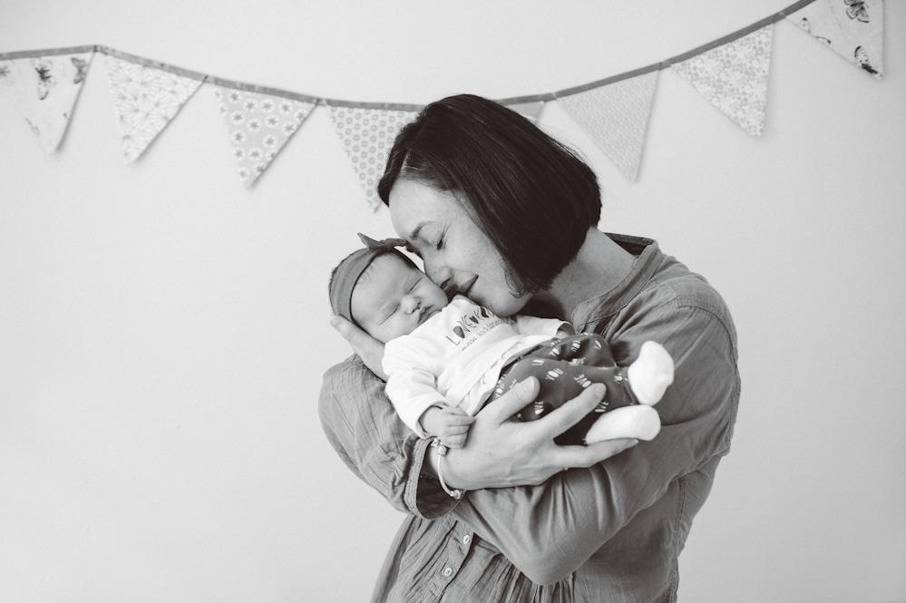 Photos de naissance à domicile - Instant d'émotion